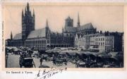 Zaterdagmarkt op de Grote Markt van Ieper voor de Eerste Wereldoorlog, prentkaart uitgegeven door Florimond Bartier