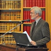 December 2012, jaarvergadering: voorzitter André Vandewalle verwelkomt de aanwezigen