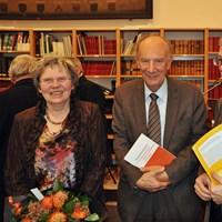 December 2012, jaarvergadering: prof. em. Michel Cloet (hier met echtgenote en de voorzitter) werd gehuldigd voor zijn jarenlange inzet als bestuurslid